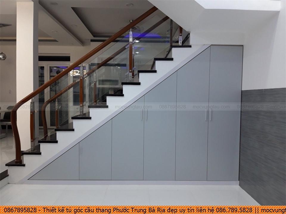 Thiết kế tủ góc cầu thang Phước Trung Bà Rịa đẹp uy tín liên hệ 086.789.5828