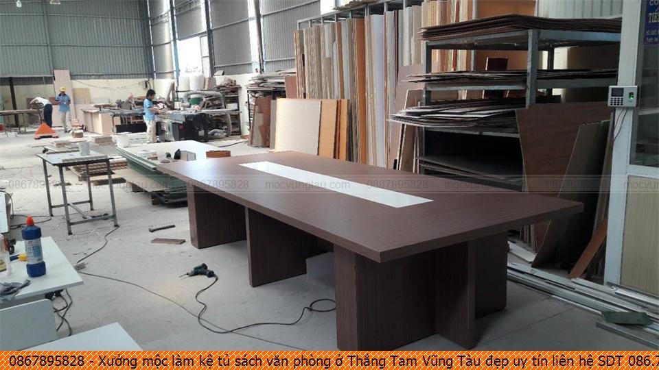 xuong-moc-lam-ke-tu-sach-van-phong-o-thang-tam-vung-tau-dep-uy-tin-lien-he-sdt-0867895828