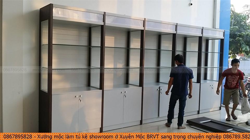 Xưởng mộc làm tủ kệ showroom ở Xuyên Mộc BRVT sang trọng chuyên nghiệp 086789.5828